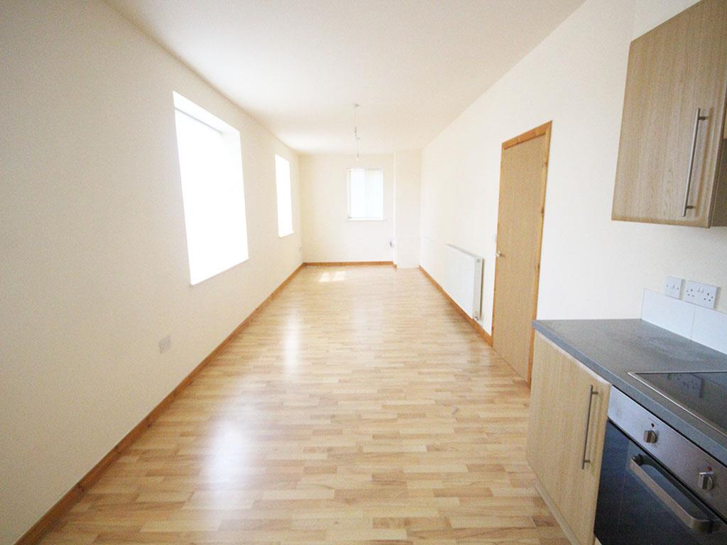 2 bedroom apartment To Let in Colne - IMG_3431.jpg